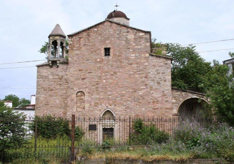 hram-archangelov-mihaila-i-gavriila_feostoria