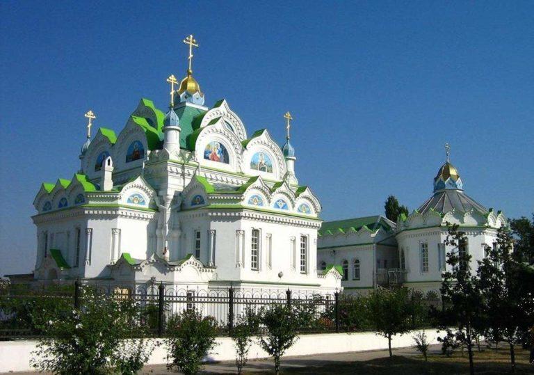 hram-svyatoy-velikomuchenizy-ekateriny_feostoria
