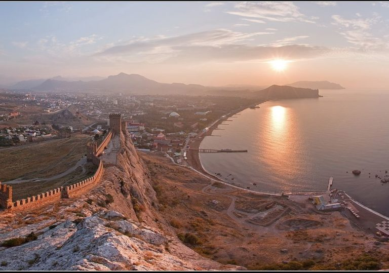 Индивидуальные VIP-экскурсии по Крыму из Феодосии
