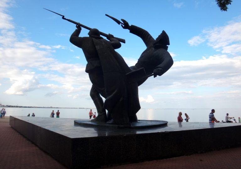 Военные памятники Феодосии