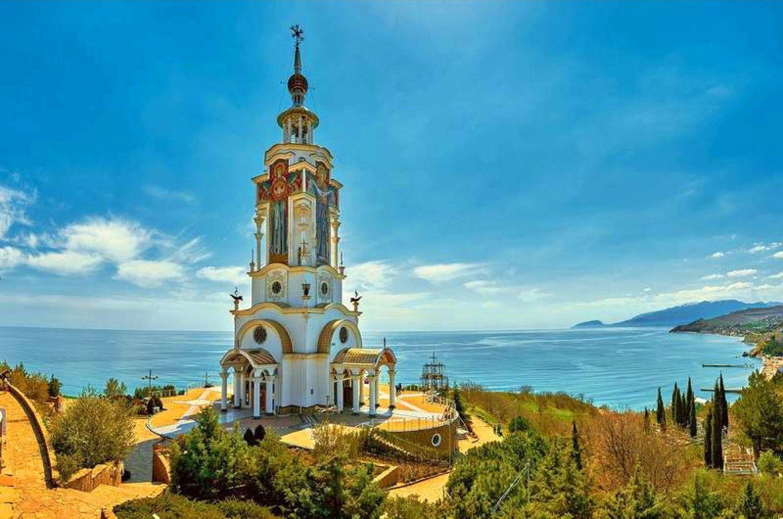 Hram-mayak-Sv-Nikolaya