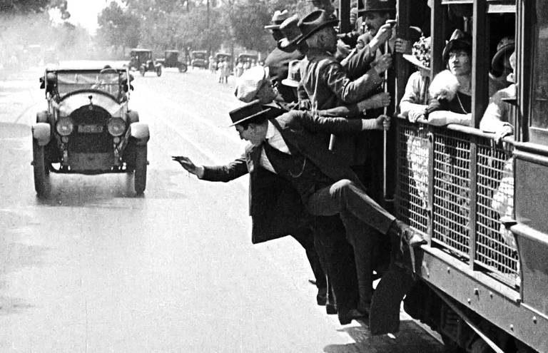 Показ фильма «Безопасность прениже всего!», 1923