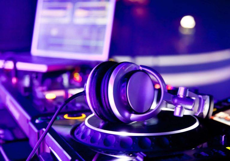 DJ Happy в Morris Club