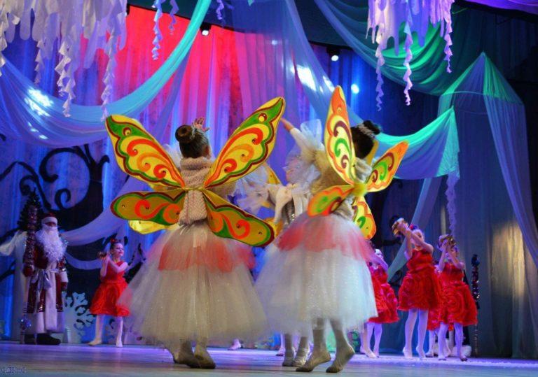 Новогоднее представление » Тайна новогоднего замка»