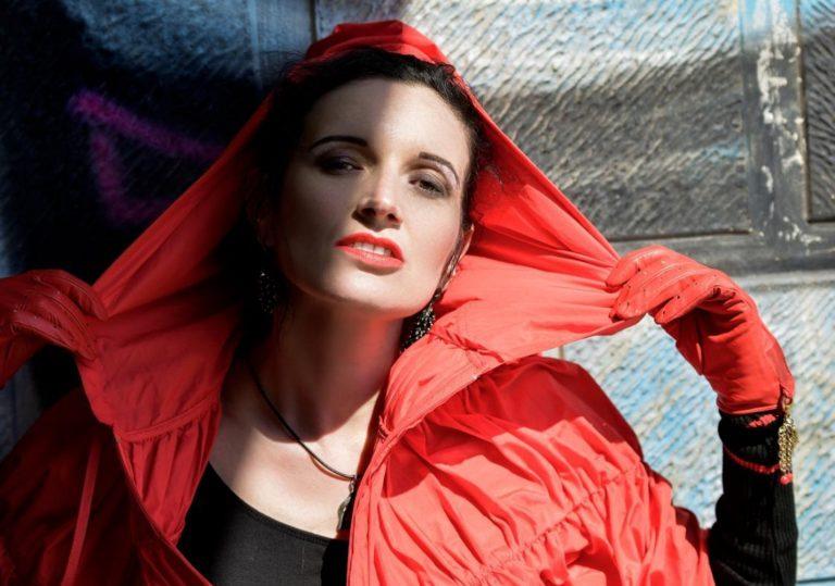 07 июня — выставка «Фотобенефис актрисы»