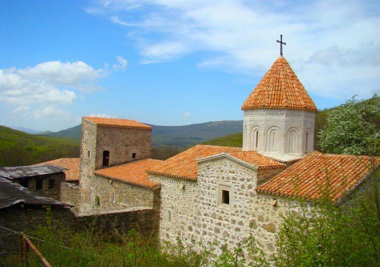 Армянский праздник Вардавар в монастыре Сурб-Хач