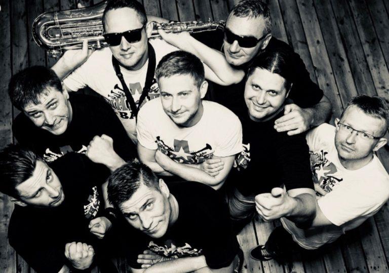 22 сентября — Выступление кавер-группы ШнАпS Band