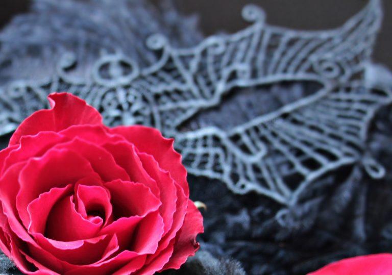 19 октября — Спектакль «Ночной гость» в ДКТ «Чайка»