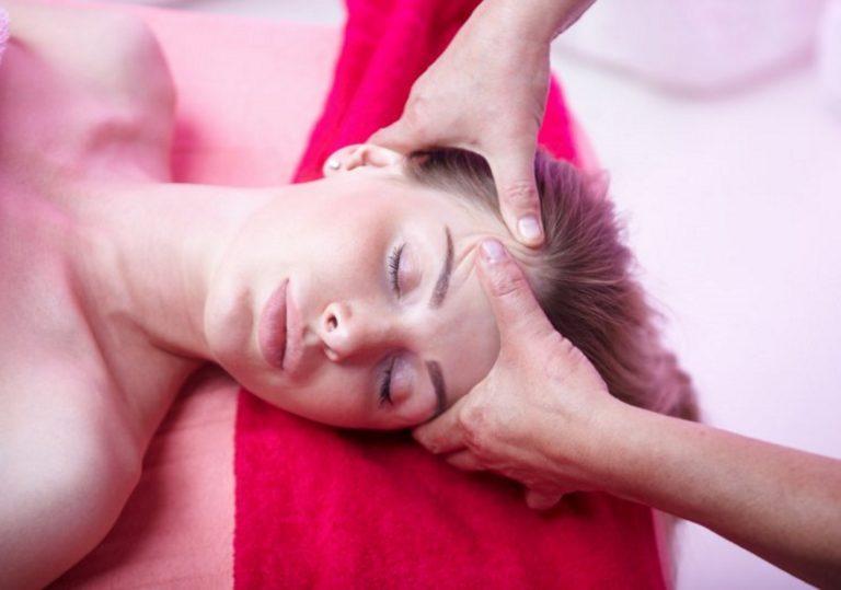 Миофасциальный массаж лица и головы
