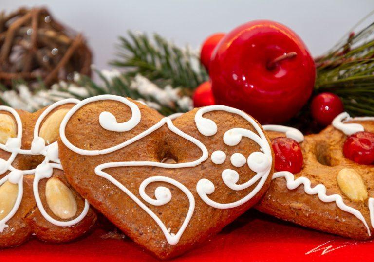 14 декабря — Мастер-класс «Роспись новогодних пряников»